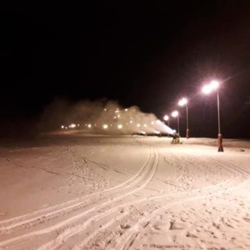 Pârtia Cocoș s-ar putea deschide weekendul acesta. Pagina de Facebook a fost asaltată de amatorii sporturilor de iarnă