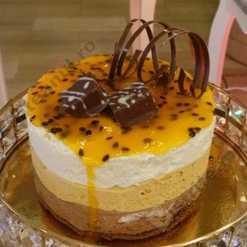 Delicioasa mousse cu ciocolată, mascarpone și zmeură de la Cofetăria Cristina v-ar putea îndulci și vouă ziua…!
