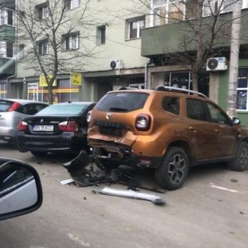 Cine este șoferul care a distrus 5 mașini în doar câteva minute: Un asistat social problemă condamnat penal