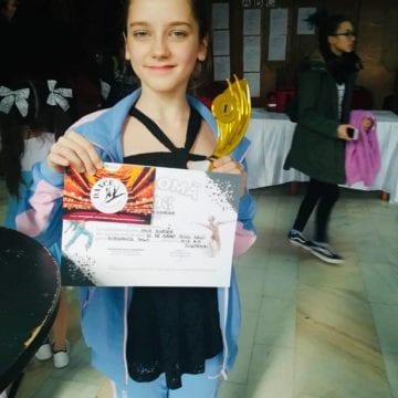"""SUCCES: Bursă în Italia, pentru o balerină de la Școala de balet """"Ovidiu Danci""""!"""