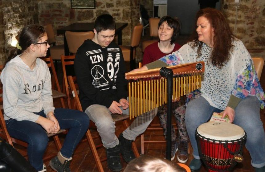 FOTO:  O poveste emoționantă despre terapie, despre muzică, despre noi toți…!