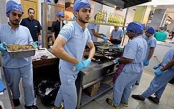 Asistenții medicali își dau concursul… la restaurant!