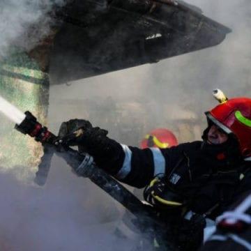 Incendiu la școala din Pietriș! Elevii, evacuați de urgență!