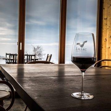Vinul Liliac, făcut din struguri de Lechința, a ajuns în Canada. Ce planuri inedite au producătorii pentru turiști