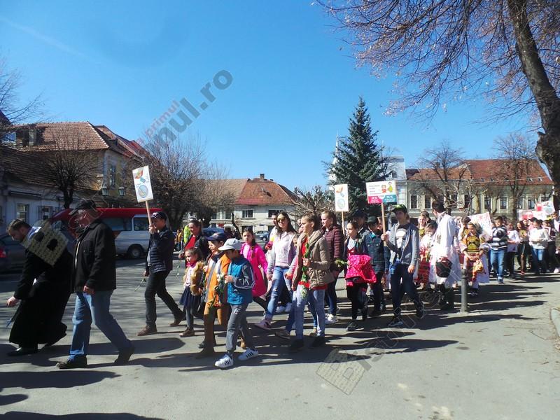 FOTO/VIDEO: Marș împotriva avorturilor, pe străzile din Bistrița