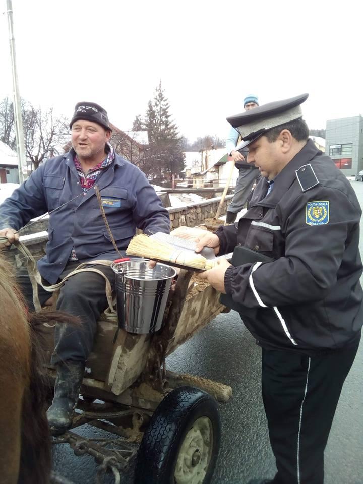 La Sîngeorz, în luna lui Martie, polițiștii cadorisesc…gospodarii!
