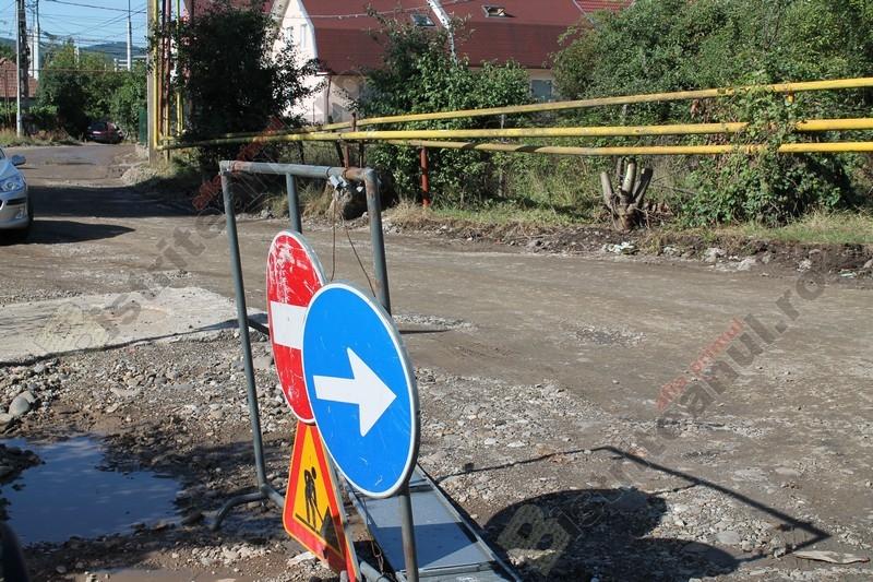 De ce nu pot fi asfaltate toate străzile de pământ. În unele cazuri este vina locatarilor