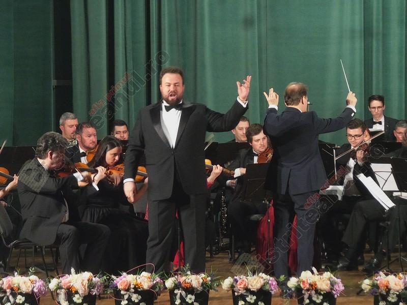 FOTO/VIDEO:  Cum s-a descurcat tenorul Ștefan Pop în primul concert susținut acasă, după câștigarea Oscarului