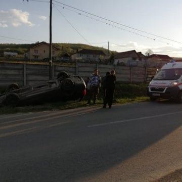 FOTO – Accident spectaculos la intrare în Jelna. Șoferul care a provocat accidentul a fugit