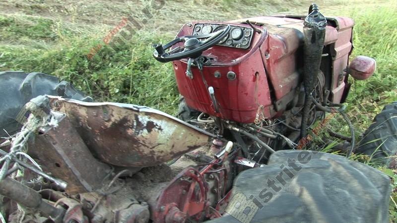 Hășmașu Ciceului: TRAGIC- A murit după ce a căzut tractorul peste el