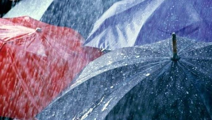 La Slujba de Înviere ne luăm umbrelele! COD GALBEN de ploi, începând de mâine!