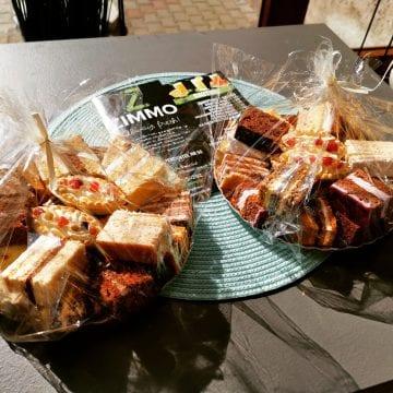 Vrei pe masa de Paște delicioasele prăjituri de la Polaris Beclean?! Treci pe la Zimmo și se rezolvă!