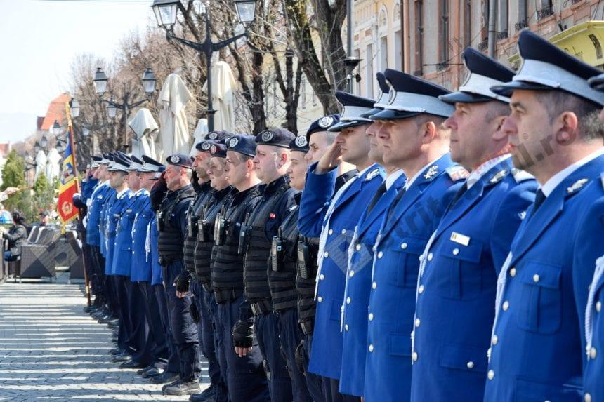 FOTO/VIDEO Emoție…în albastru: La mulți ani jandarmilor!