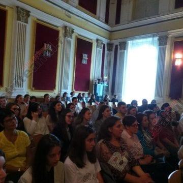 FOTO: Zeci de elevi din Bistrița-Năsăud au primit ieri diplomele DELF din partea Ministerului Educației din Franța!