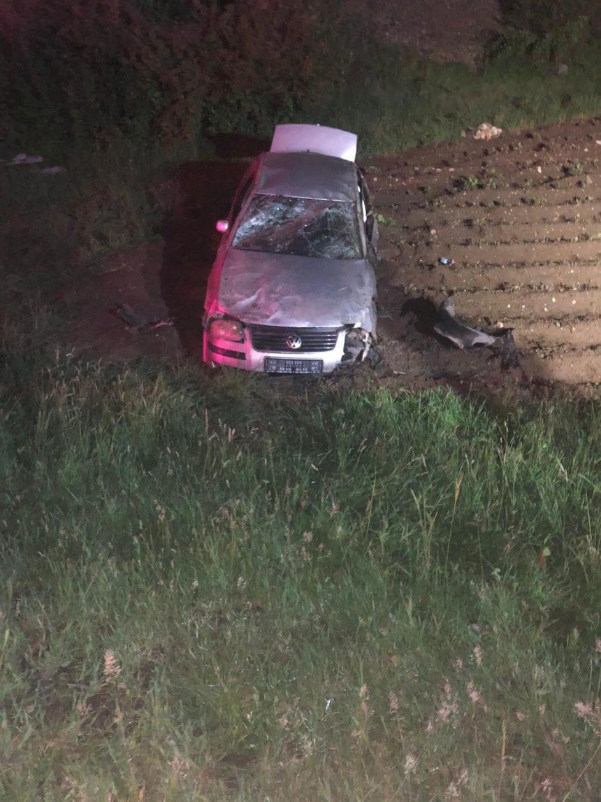 Un tânăr a băgat în spital toți pasagerii după ce mașina pe care o conducea s-a răsturat!