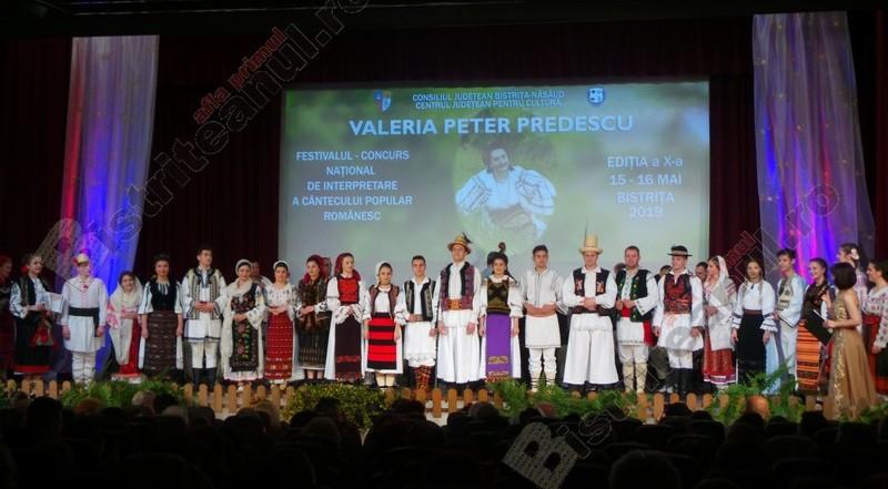 """FOTO/VIDEO: Momente emoționante ieri, la Festivalul """"Valeria Peter Predescu"""". Marele trofeu a ajuns în brațele unui tânăr militar din Agrieș"""