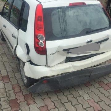 Carambol în Năsăud și două persoane rănite, din cauza unei șoferițe neatente!