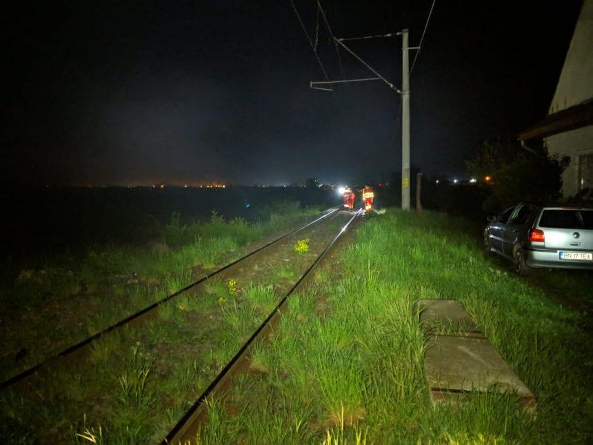 FOTO – Un tânăr a fost spulberat de o locomotivă între Viișoara și Sărata. Acesta a murit