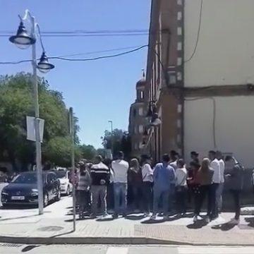 VIDEO: Bistrițenii din diaspora, la coadă pentru a vota!