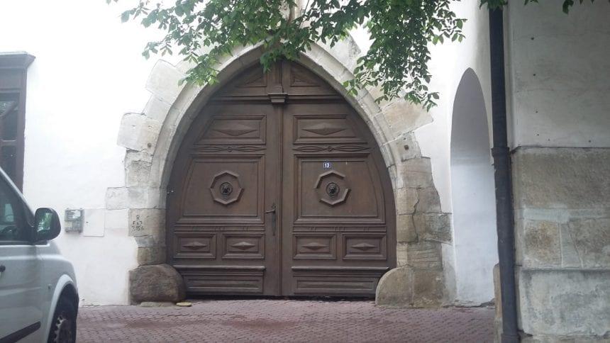 A fost identificat autorul furtului din locuința de serviciu a Parohiei Evanghelice. Cine este: