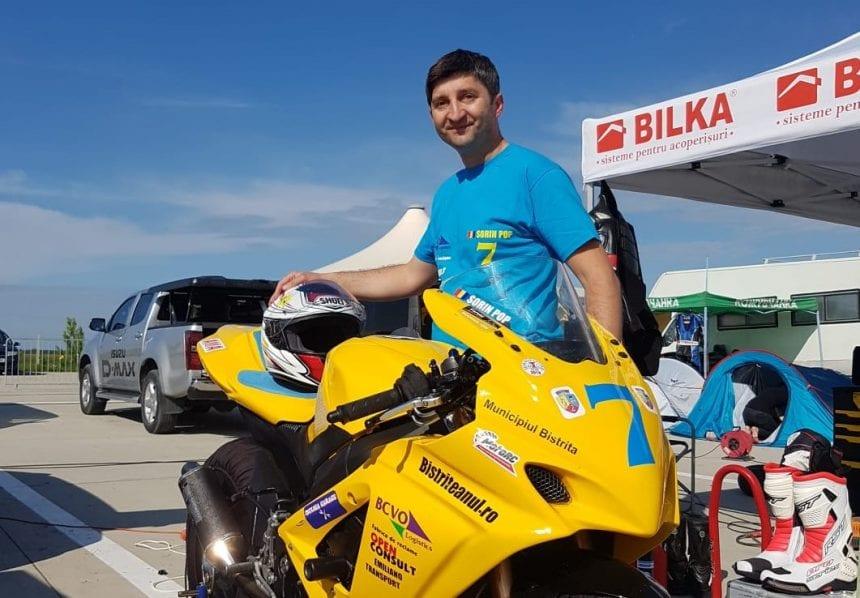 Motociclistul Sorin Pop accelerează spre podium, la două campionate de viteză