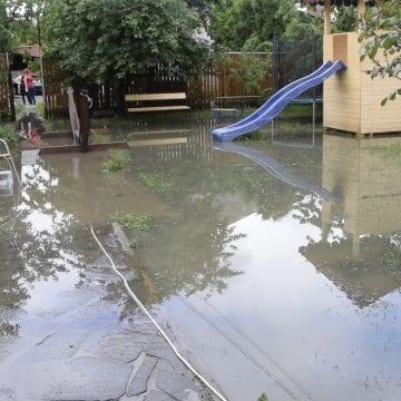 COD PORTOCALIU de ploi în județ. Mai multe gospodării inundate
