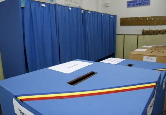 Avocată din Bistrița sancționată după ce a înjurat la primul tur al alegerilor un reprezentant PSD. Ce s-a întâmplat: