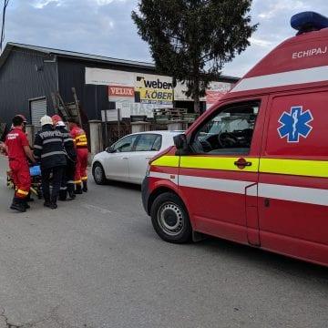 FOTO: INCONȘTIENȚĂ! O șoferiță beată și începătoare a provocat un accident! În mașina ei, doi copii mici!