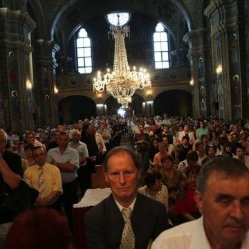 """FOTO:  Reuniunea corală """"Bartolomeu Anania"""", ediţie jubiliară în Biserica de la Coroana"""