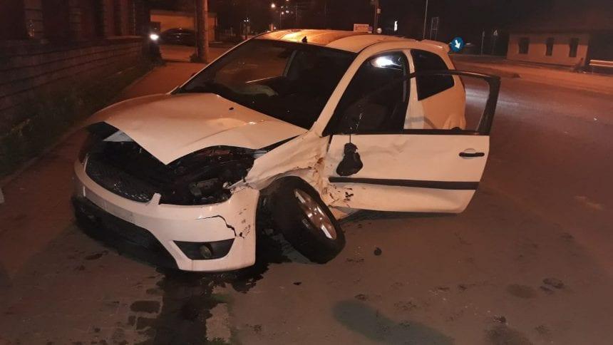 FOTO: O șoferiță începătoare a băgat în spital două persoane