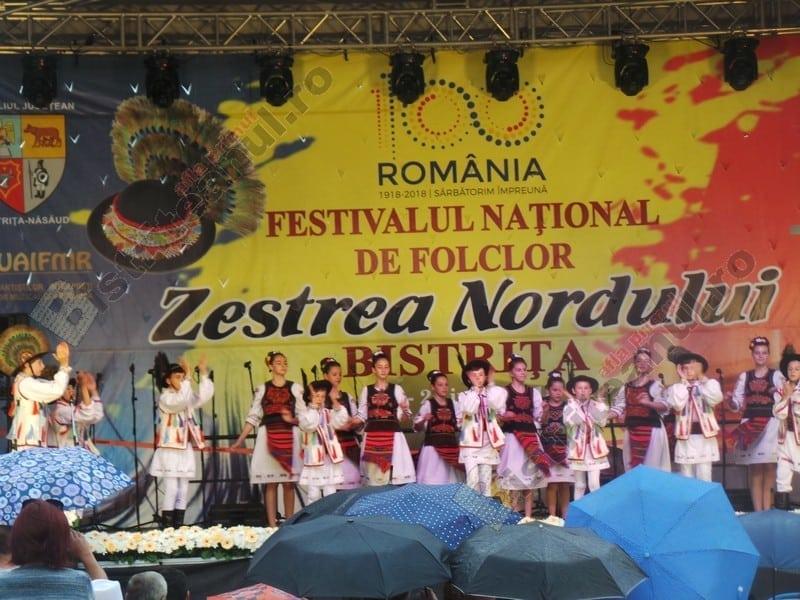EXTRA: Zestrea Nordului! Spectacol folcloric extraordinar, în weekend, pe pietonal!