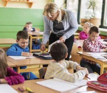 Cristina Iurișniți (USR): La mulți ani, dragi învățători…! Fără politizare ajungem departe!