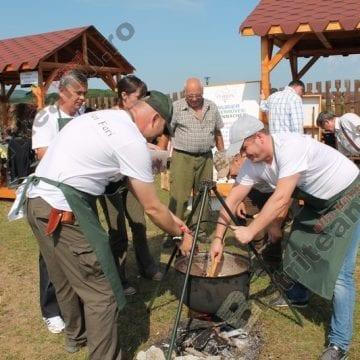 Mâncarea vânătorească acaparează Băile Figa. 13 echipe din Ardeal se întrec în preparate la ceaun, la final de lună