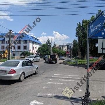 FOTO: Trei benzi de circulație la trecerea de pe Slavici! AFLĂ cum se va circula în zonă în timpul lucrărilor: