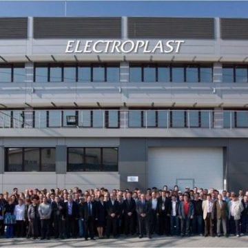 """O super-platformă de investiții care """"salvează"""" companiile aflate în dificultate preia Electroplast"""