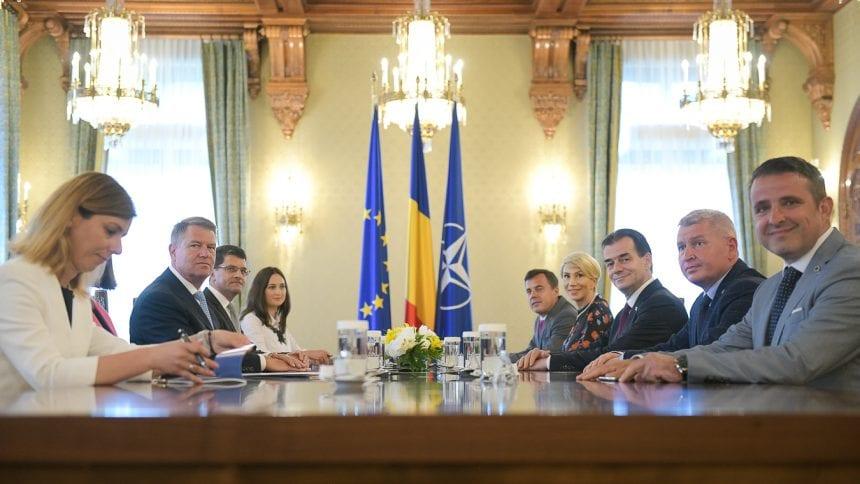 FOTO/VIDEO: Liderul PNL BN, la masa discuțiilor, cu Președintele Iohannis
