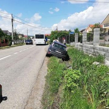 FOTO: Drumul de la Bacău la Figa li s-a oprit într-un cap de pod