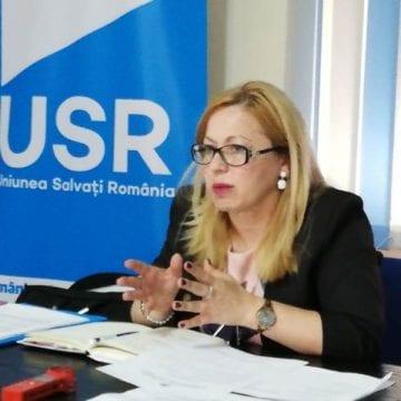 Cristina Iurişniţi (USR) solicită demiterea ministrului Ecaterina Andronescu!