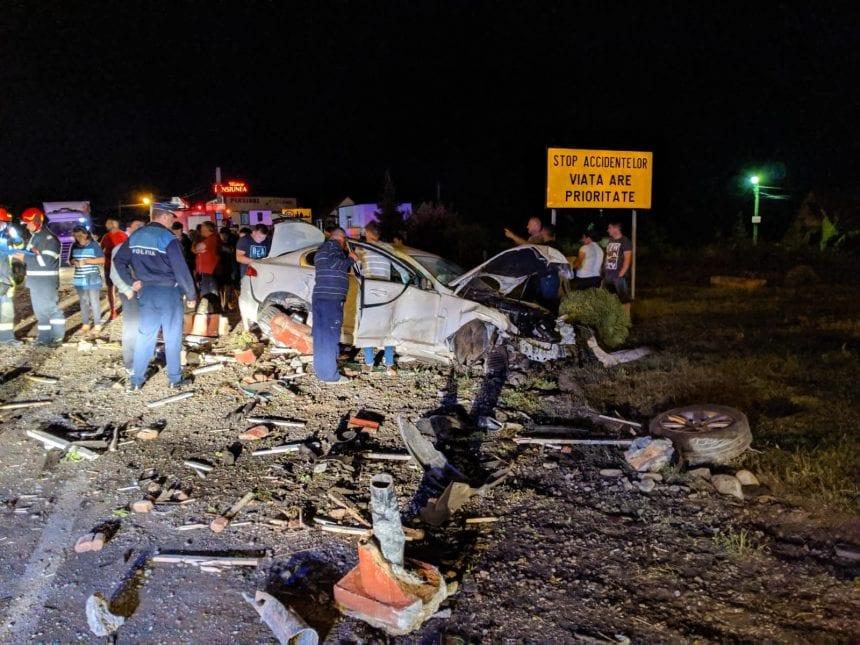 FOTO/VIDEO: Accident rutier la calea ferată din Livezile