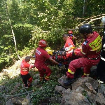 CONTRA CRONOMETRU: Elicopterul SMURD chemat pentru un bărbat ce și-a prins picioarele sub un TAF