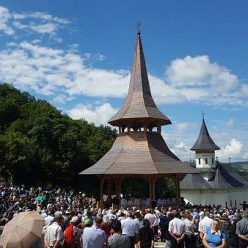 """Mii de credincioşi sunt aşteptaţi la hramul Mănăstirii """"Sfântul Ilie"""" din Nuşeni"""