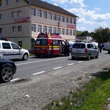 FOTO: Cinci mașini, două accidente, o victimă – la nici 5 minute distanță!