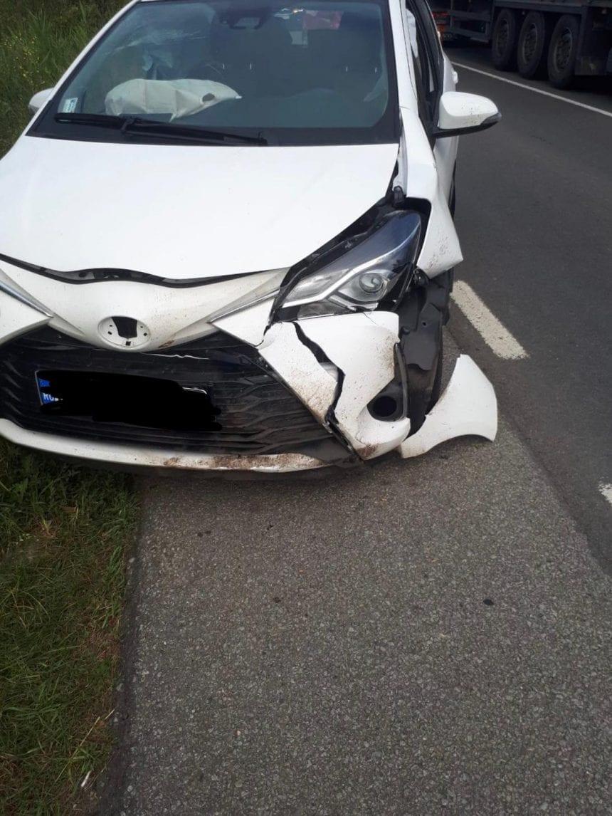 FOTO: Două accidente la interval de câteva minute. Unul a avut loc din cauza unui câine!
