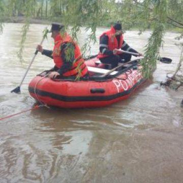 Budurleni: Tânăr de 19 ani, înecat în lac