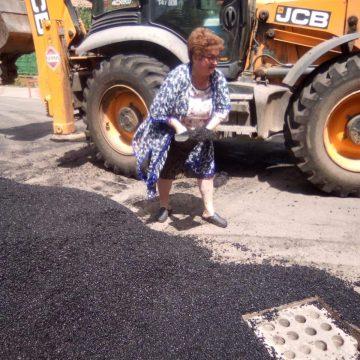 FII REPORTER: S-a compromis pentru cinci fărașe de asfalt!