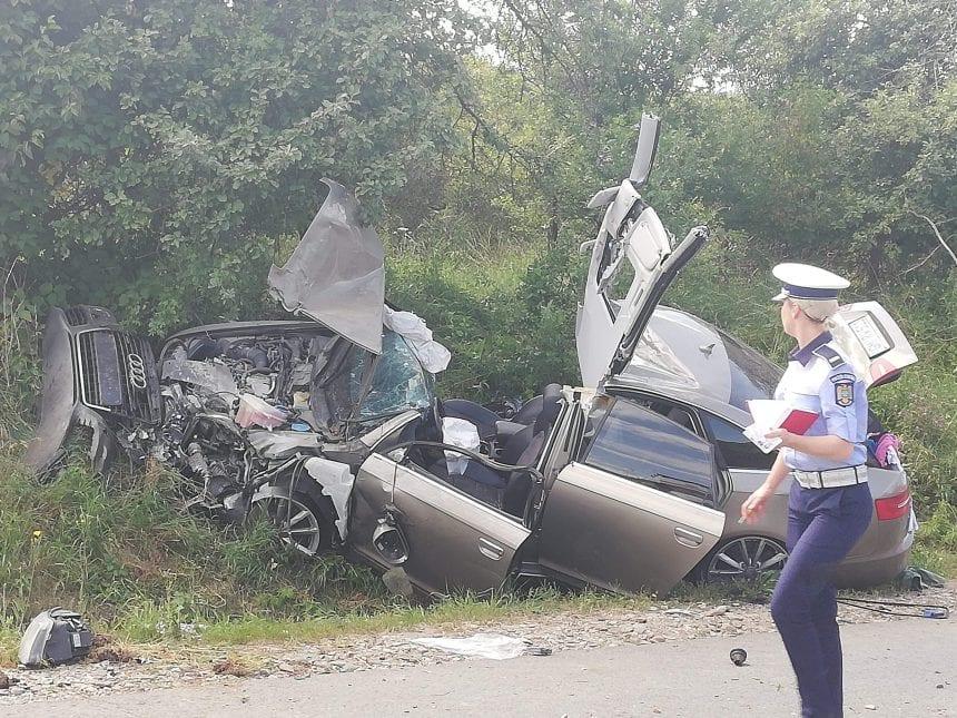 FOTO/VIDEO: Accident cu victime încarcerate la ieșirea din Dumitra spre Bistrița
