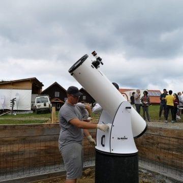 """Stelele și planetele – observate din Pasul Tihuța. Cum a ajuns un observator astronomic în """"cel mai întunecat loc din Europa"""""""