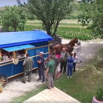 VIDEO INEDIT! Trăsura fast-food – noul produs al Direcției Silvice BN. Cum arată
