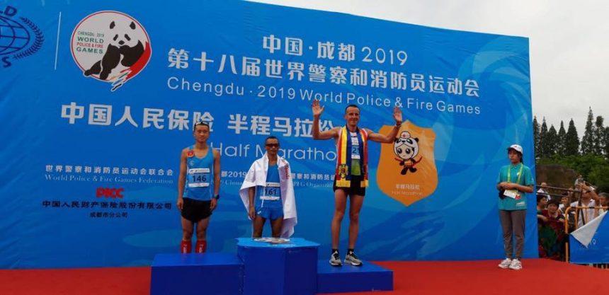 IMPRESIONANT! Pompierul bistrițean a reușit să urce pe podium la Campionatul din China! CÂT de greu a fost:
