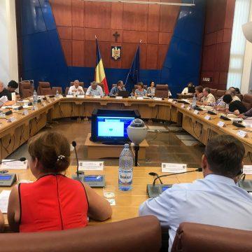 """Liberalii sar la gâtul lui Radu Moldovan și-l numesc pe fratele acestuia """"incompetent"""". Cum răspunde șeful județului:"""